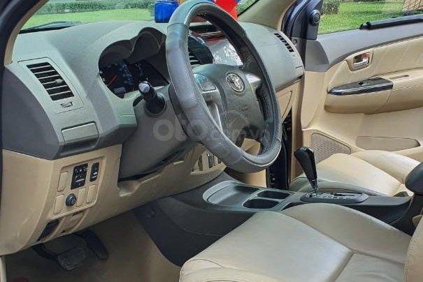 Cần bán xe Toyota Fortuner 2013 máy xăng, xe mới 90%8