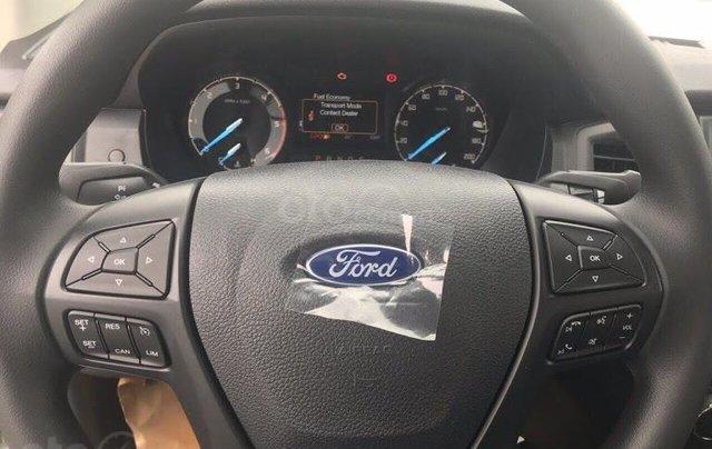 Ford Bắc Kạn báo giá phiên bản Ranger XLS 1 cầu số sàn và số tự động kèm khuyến mãi lớn4