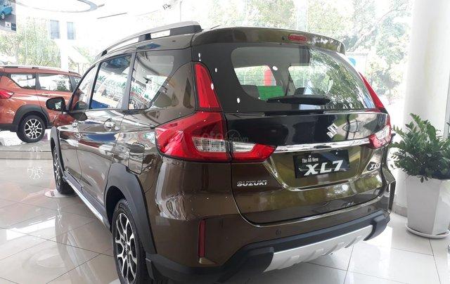 Suzuki XL7 2020 đủ màu giao xe tháng 05/2020 - showroom chính hãng13