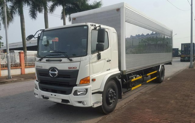 Bán nhanh xe tải Hino 8 tấn thùng kín1