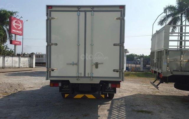Xe tải Hino 5 tấn thùng đông lạnh1