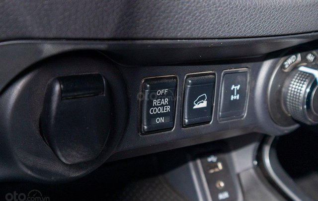 Nissan Terra V 4WD 2.5L, nhập khẩu nguyên chiếc Thái Lan, giá tốt khu vực miền Nam11