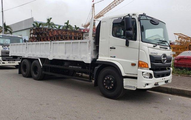 Xe tải Hino 15 tấn thùng lửng1