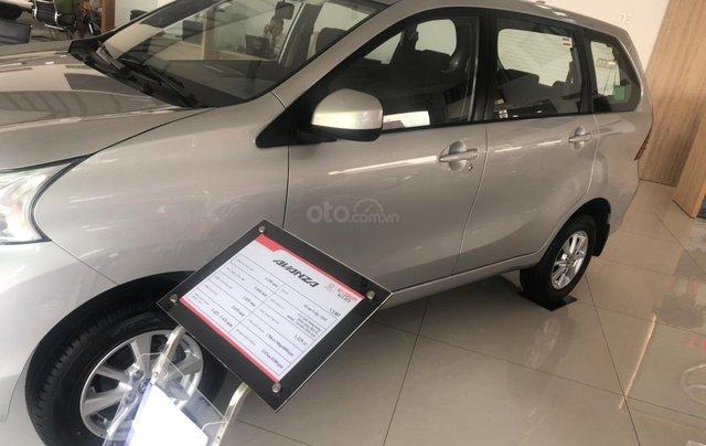 Bán Toyota Avanza 7 chỗ nhập khẩu, màu bạc, giao ngay1