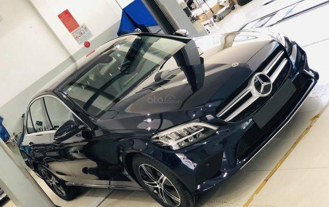 Mercedes-Benz C180 giảm ngay 50% trước bạ4