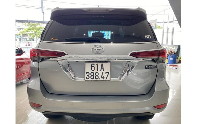 Bán xe Toyota Fortuner 2.7 V 4x4 2017, trả trước chỉ 311 triệu5