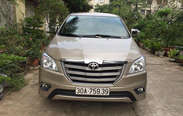Chính chủ tôi cần bán chiếc Toyota Innova 2.0E xịn bản đủ, sản xuất 20150