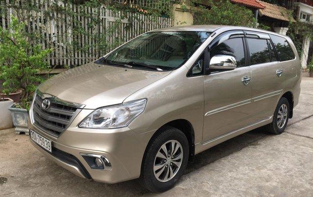 Chính chủ tôi cần bán chiếc Toyota Innova 2.0E xịn bản đủ, sản xuất 20152