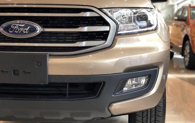 Ford Everest xe Mỹ nhập khẩu giá chỉ từ 999 triệu - Xe giao ngay1