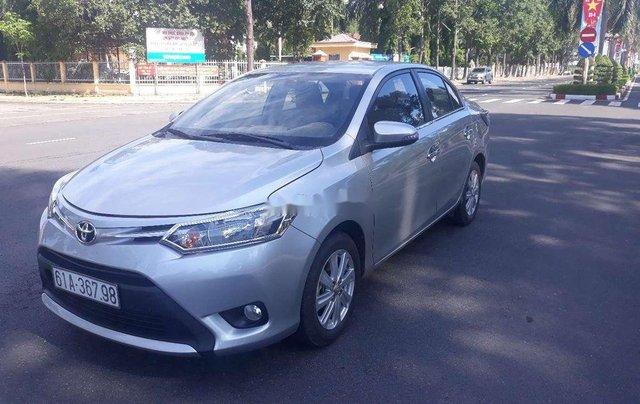 Cần bán Toyota Vios sản xuất 2017, màu bạc  1