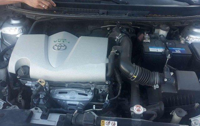 Cần bán Toyota Vios sản xuất 2017, màu bạc  11