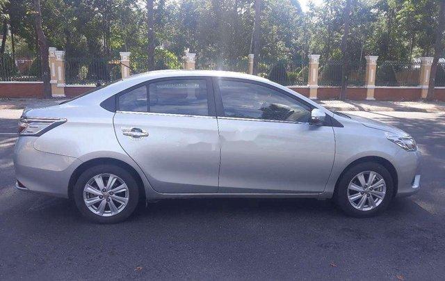 Cần bán Toyota Vios sản xuất 2017, màu bạc  2