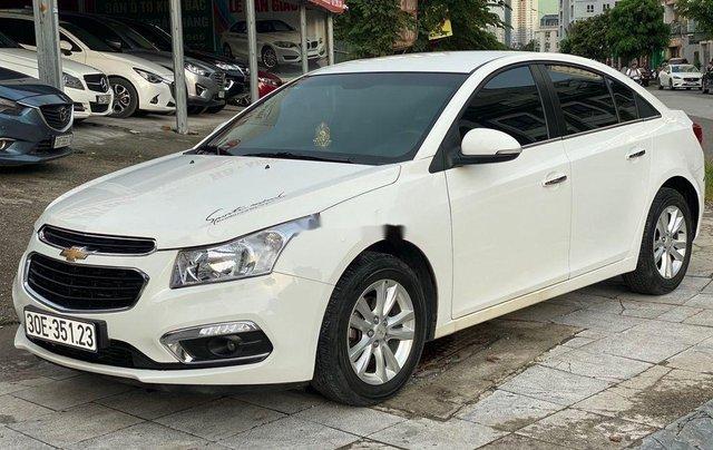 Cần bán Chevrolet Cruze 1.6MT đời 2016, màu trắng số sàn, giá 365tr1