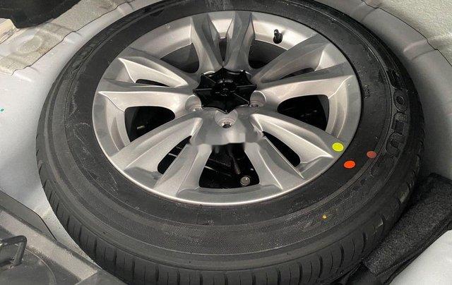 Cần bán Chevrolet Cruze 1.6MT đời 2016, màu trắng số sàn, giá 365tr9