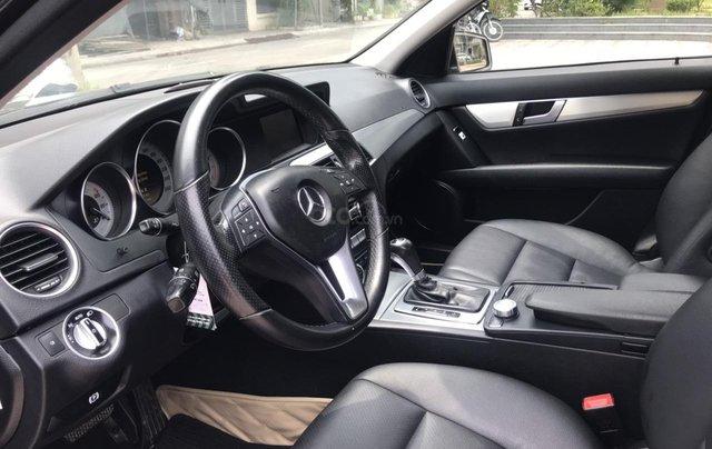 Bán Mercedes C200 đời 2011, màu đen4