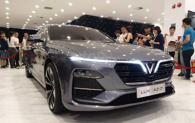 Bán ô tô VinFast Lux A2.0 sản xuất năm 2020, màu xám, sẵn xe, giao nhanh toàn quốc1