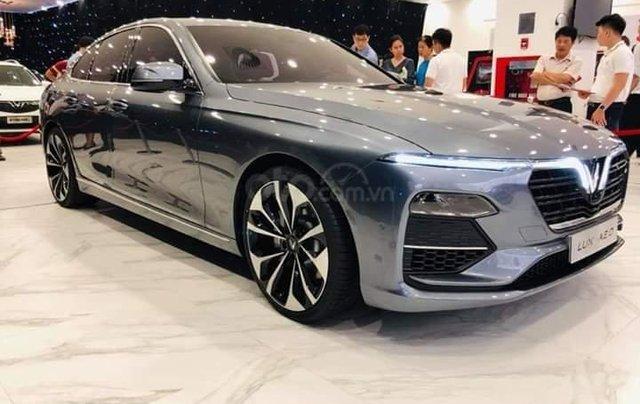 Bán ô tô VinFast Lux A2.0 sản xuất năm 2020, màu xám, sẵn xe, giao nhanh toàn quốc0