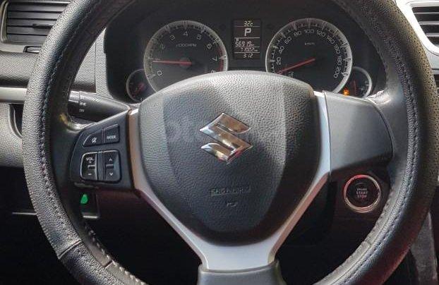 Cần bán Suzuki Swift 2013 nhập khẩu nguyên chiếc9