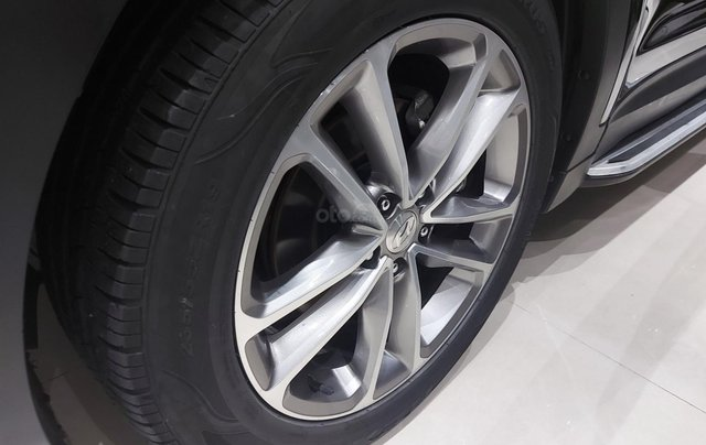 Bán Hyundai Santa Fe 2.2 AT 2018, máy dầu diesel, biển SG, xe gia đình sử dụng, odo 30.000km, thương lượng khách thiện chí13