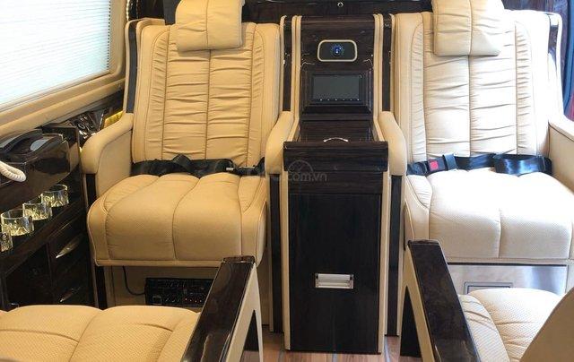Transit Limousine 10 chỗ phiên bản VIP độc quyền tại Sài Gòn Ford6