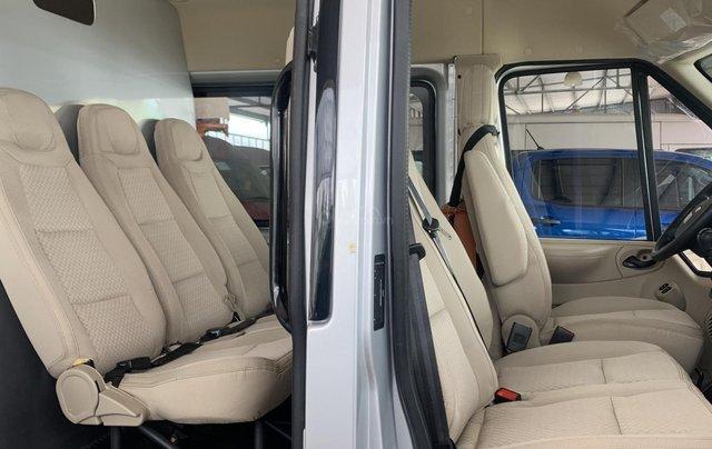 Transit Van 3 chỗ, 6 chỗ chở hàng trong TP không bị cấm giờ3