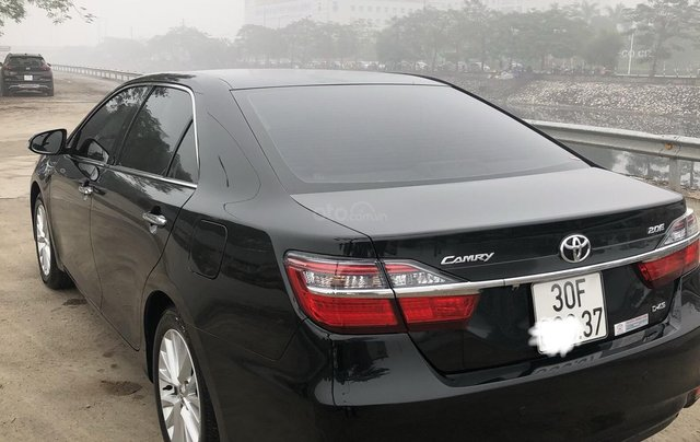 Gia đình bán Toyota Camry đời 2018, màu đen, biển cực đẹp, còn rất mới4
