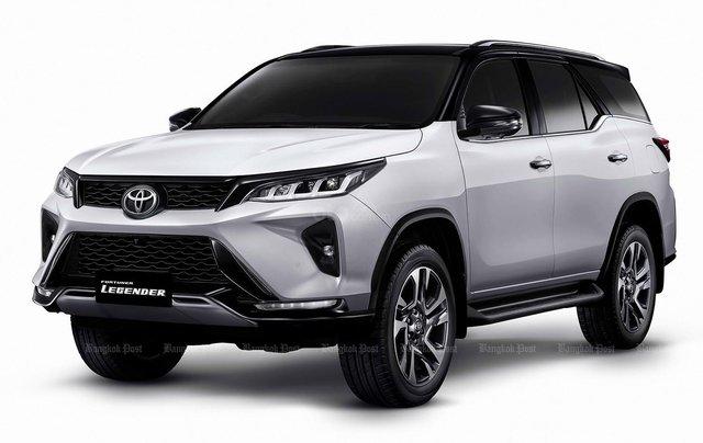 Toyota Fortuner 2021 facelift sắp trình làng Việt Nam?24