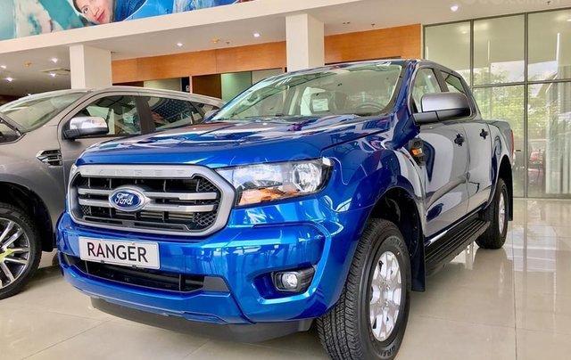 Ford Ranger 1 cầu số tự động xe có giao ngay. Tặng nắp thùng, lót thùng, camera hành trình, lót sàn, phim cách nhiệt0
