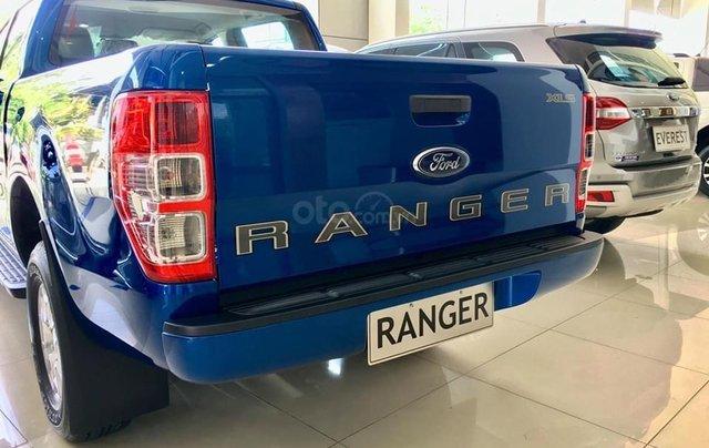 Ford Ranger 1 cầu số tự động xe có giao ngay. Tặng nắp thùng, lót thùng, camera hành trình, lót sàn, phim cách nhiệt3