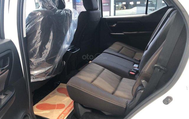 Toyota Tân Cảng bán Toyota Fortuner 2020 tặng 100% thuế trước bạ + bảo hiểm thân xe + gói bảo dưỡng 3 năm miễn phí 6