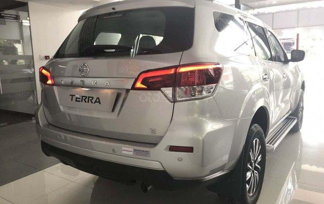 Bán ô tô Nissan Terra đời 2020, màu bạc, xe nhập4