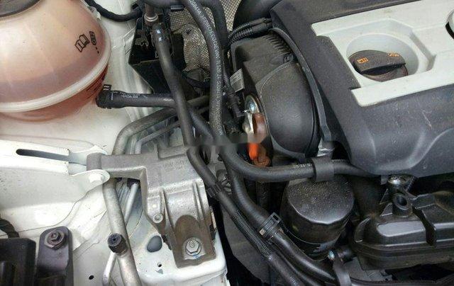 Xe Volkswagen Tiguan đời 2010, màu trắng, nhập khẩu còn mới3