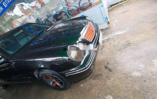 Cần bán gấp Mercedes E240 năm 2001, màu đen, nhập khẩu chính chủ giá cạnh tranh9