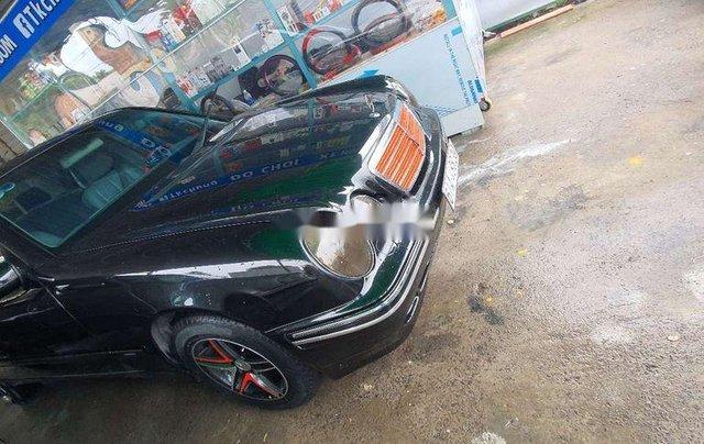 Cần bán gấp Mercedes E240 năm 2001, màu đen, nhập khẩu chính chủ giá cạnh tranh0