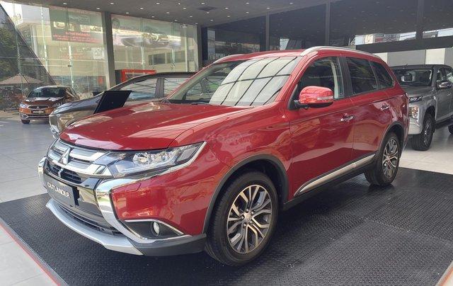 1 chiếc duy nhất Mitsubishi Outlander 2.4 CVT bản cao cấp 2 cầu 2019 màu đỏ, mới 100%, giá cực kỳ ưu đãi0