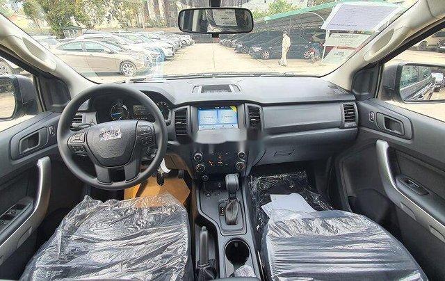 Bán xe Ford Ranger XLS sản xuất năm 2020, xe nhập. Ưu đãi khủng6