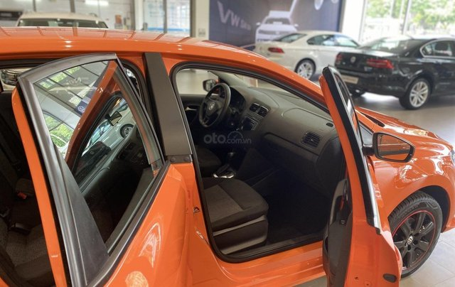 Cần ra đi 1 em cam tươi Polo Hatchback - đã độ sơn mâm, body kid, màu cam đặc biệt - giá hạt dẻ4