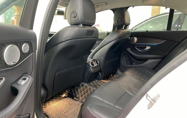 Bán Mercedes C200 sản xuất 2018, còn bảo hành chính hãng đến 20217