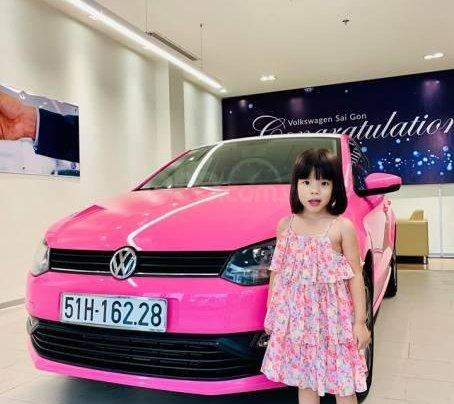 VW Polo màu hồng cute, đi trên phố ai cũng nhìn, không đụng hàng chỉ có ở VW Sài Gòn10