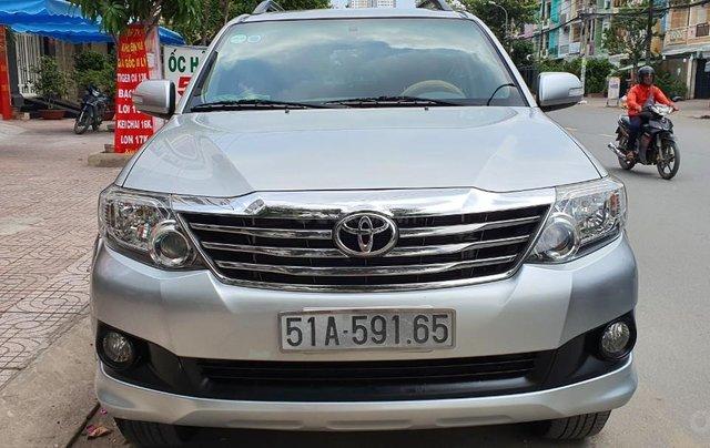 Cần bán lại xe Toyota Fortuner đời 2013, màu bạc, số tự động0