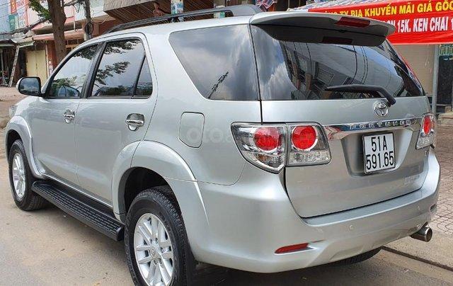 Cần bán lại xe Toyota Fortuner đời 2013, màu bạc, số tự động5