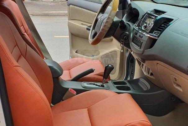Cần bán lại xe Toyota Fortuner đời 2013, màu bạc, số tự động7