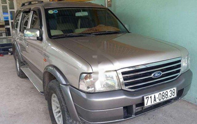 Cần bán Ford Everest sản xuất năm 2006, xe gia đình, giá chỉ 260 triệu0