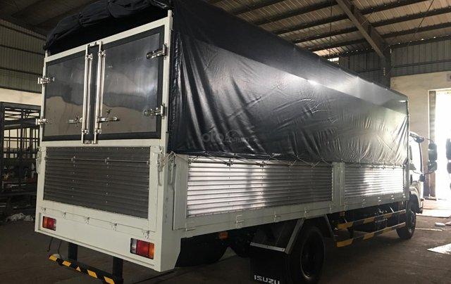 Xe Isuzu 5.7T thùng bạt 6.2m, KM tiền mặt 16.4tr, máy lạnh, 12 phiếu bảo dưỡng, radio MP33