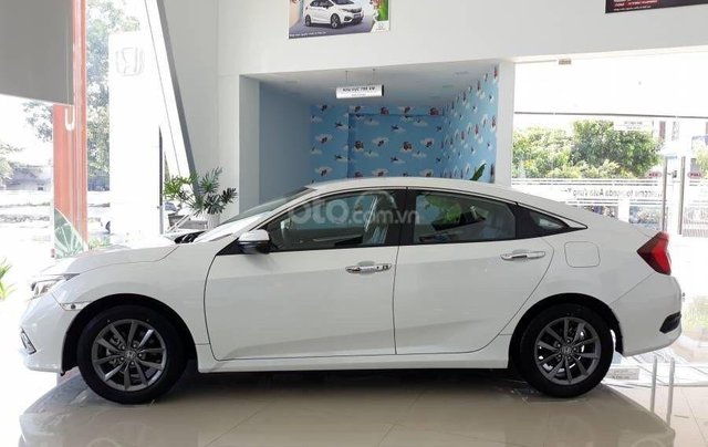 Honda Civic 2020 RS - Giảm ngay tiền mặt, lãi suất ưu đãi cùng quà tặng kèm theo. LH ngay để nhận ưu đãi3