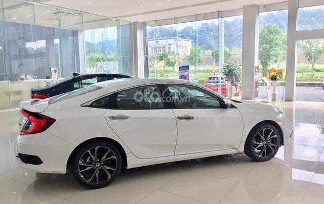 Honda Civic 2020 RS - Giảm ngay tiền mặt, lãi suất ưu đãi cùng quà tặng kèm theo. LH ngay để nhận ưu đãi5