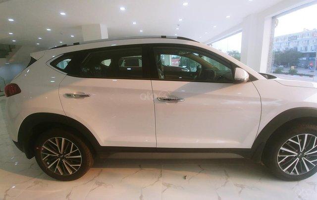 Hyundai Tucson 2020 sẵn xe giao ngay - KM tháng 10 giảm trực tiếp tiền mặt, trả góp 85%, trả trước 220tr để nhận xe1