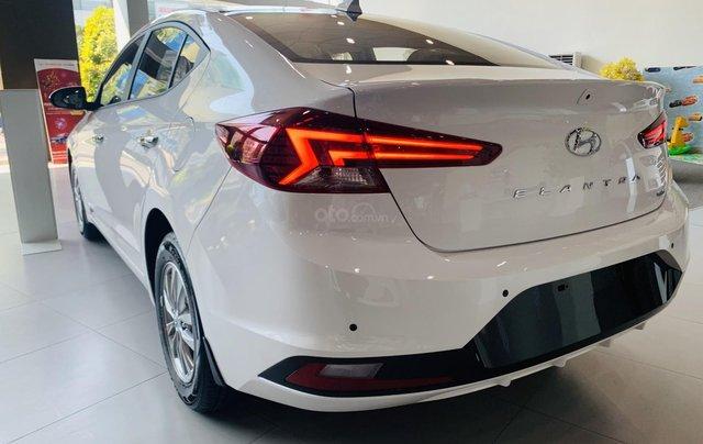 Hyundai Elantra 2019, giảm mấy chục triệu khi mua xe, xe có sẵn giao ngay1