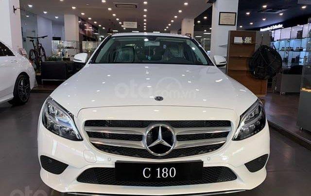 Mercedes C180 - 2020 giảm ngay 55 triệu + tặng bảo hiểm + tặng 2 năm bảo dưỡng miễn phí1