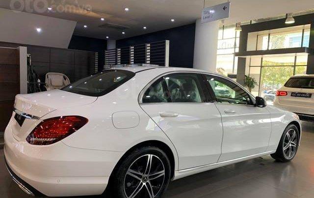 Mercedes C180 - 2020 giảm ngay 55 triệu + tặng bảo hiểm + tặng 2 năm bảo dưỡng miễn phí2